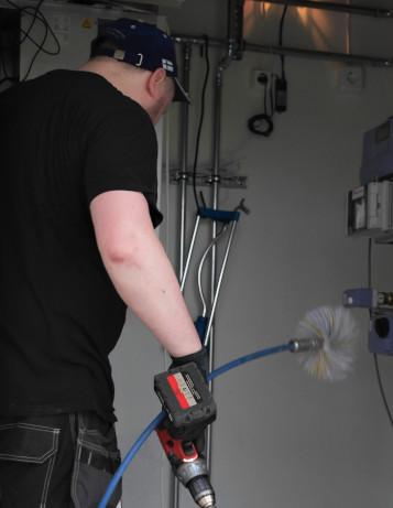 Ilmanvaihtokanavien puhdistus, ilmastointikanavien puhdistus, ilmanvaihtoputkien puhdistus, ilmastoinnin puhdistus, ilmanvaihtokanavien puhdistus hinta, ilmanvaihtokanavien puhdistus oulu, iv-kanavien puhdistus, iv-kanavien puhdistus hinta, iv-kanavien puhdistus oulu, ilmastointihuolto oulu